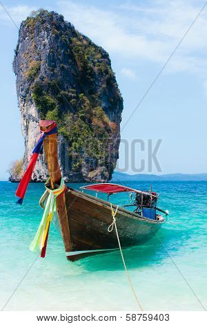 Traditional Long Tail Boats