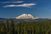 Постер, плакат: Mount St Helens On A Clear Day