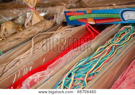 Long Gum Sweetmeats In Cardboard Boxes