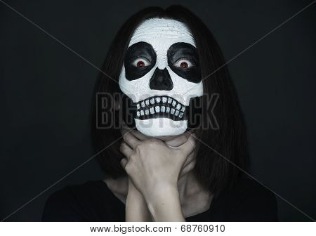 Scary Woman With Skull Make-up