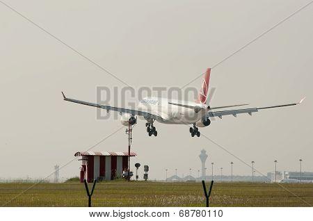 Airbus A330 343 Landing