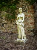 pic of dukes  - Classical statue in the old barn at Duke Farms in Hillsbourough NJ - JPG