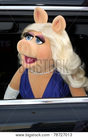 LOS ANGELES - MAR 11:  Miss Piggy at the