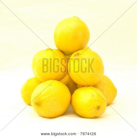 Lemon pyramid