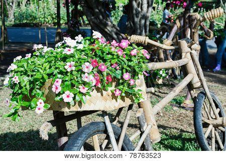 Gardening Ideas With Wooden Bike.
