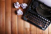 picture of typewriter  - Antique Typewriter - JPG