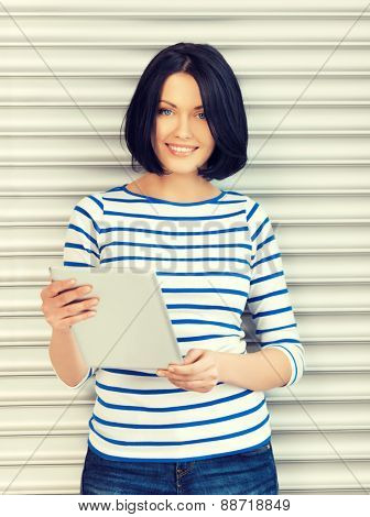 picture of student girl with tablet pc