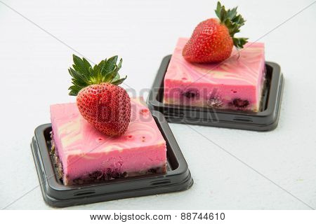 Delicious Fresh Strawberry Cheese Cake