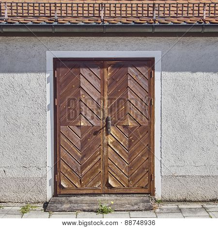 wooden brown door, Munchen, Bavaria Germany