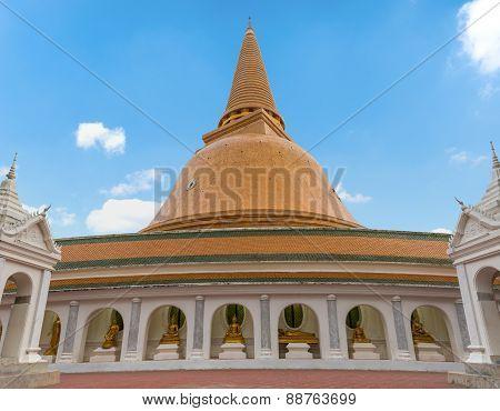Wat Phra Pathom Chedi Stupa
