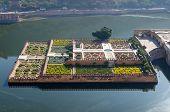 image of india gate  - Maota Lake and Gardens of Amber Fort Jaipur Rajasthan India - JPG