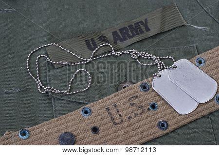 Us Army Uniform With Blank Dog Tags