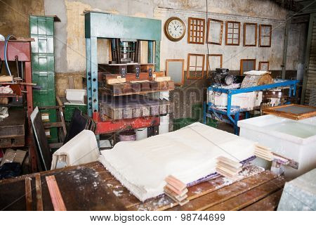 Wet papers and press machine in factory