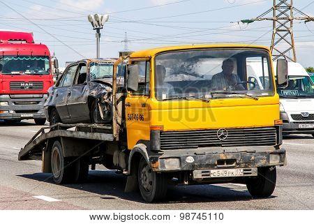 Mercedes-benz 813