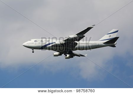 El Al Boeing 747 descending for landing at JFK International Airport in New York