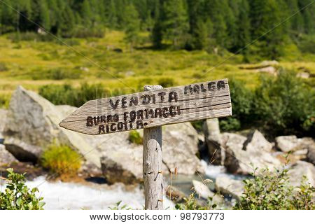 Sign Sale Fresh Cheeses In Mountain - Italy