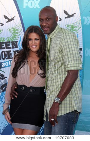 LOS ANGELES - AUGUST 8:  Khloe Kardashian & Lemar Odom arrive at the 2010 Teen Choice Awards at Gibson Ampitheater at Universal  on August 8, 2010 in Los Angeles, CA