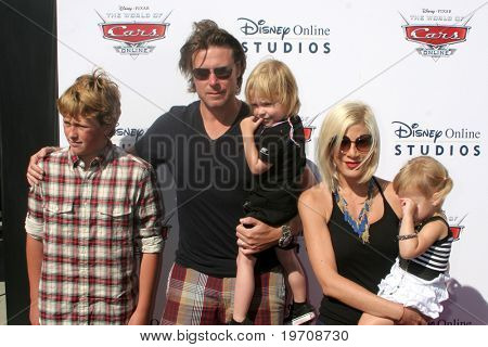 "LOS ANGELES - AUG 11:  Dean McDermott,  Tori Spelling, & Children arrives to Disney/Pixar Celebrates The Launch Of The ""World Of Cars Online"" at Bob's Big Boy on August 11, 2010 in Burbank, CA"