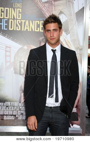 """LOS ANGELES - AUG 23:  Oliver Jackson-Cohen arrives at the """"Going the Distance"""" Los Angeles Premiere at Grauman's Chinese Theater on August 23, 2010 in Los Angeles, CA"""