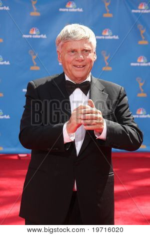 LOS ANGELES - AUG 29:  Robert Morse arrives at the 2010 Emmy Awards at Nokia Theater at LA Live on August 29, 2010 in Los Angeles, CA