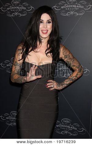 LOS ANGELES - SEP 2:  Kat Von D arrives at the Wonderland Gallery Opening at Wonderland Gallery on September 2, 2010 in W. Hollywood, CA