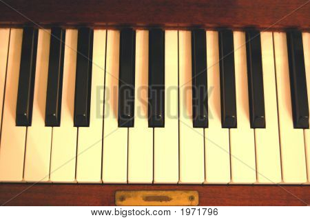 Piano Keyboard 1
