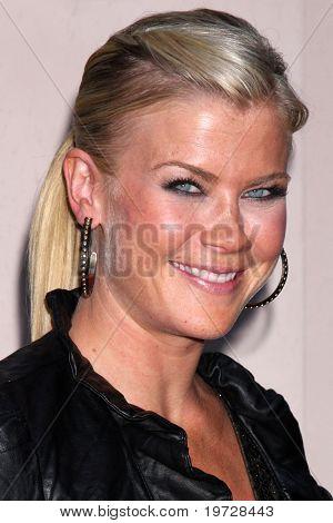 LOS ANGELES - 28 de setembro: Alison Sweeney chega ao