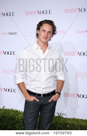 LOS ANGELES - OCT 1:  Zachary Abel arrives at the 8th Teen Vogue Young Hollywood Party - Red Carpet at Paramount Studios on October 1, 2010 in Los Angeles, CA
