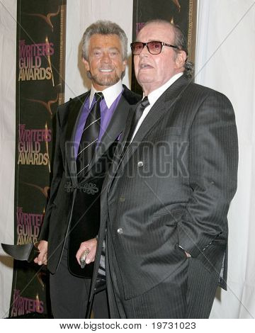 LOS ANGELES - FEB 4:  Stephen J. Cannell & James Garner at the Writers Guild Awards  at the Hollywood Palladium on February 4, 2006 in Los Angeles, CA