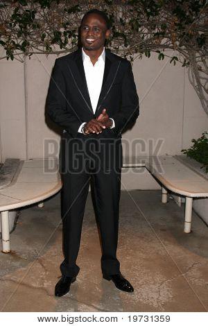 LOS ANGELES - OCT 4:  Wayne Brady arrives at