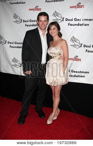 LOS ANGELES - 9 de outubro: Drew Cheetwood chega em benefício para o De