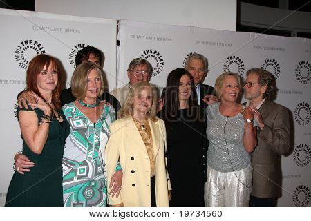 LOS ANGELES - OCT 12:  Falcon Crest Cast  arrive  at the