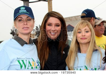 LOS ANGELES - OCT 16:  Eileen Davidson, Bristol Palin, Marcy Rylan, Kate Linder at the Habitat for Humanity's