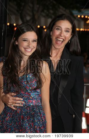 LOS ANGELES - OCT 26:  daughter Lucy Julia Rogers-Ciaffa, Mimi Rogers arrive at the