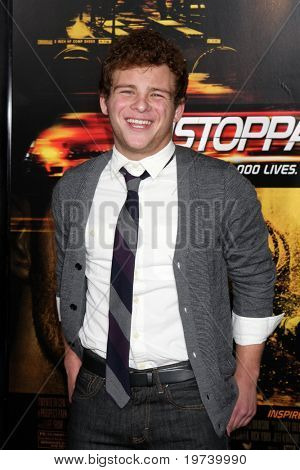 LOS ANGELES - OCT 26:  Jonathan Lipnicki arrives at the