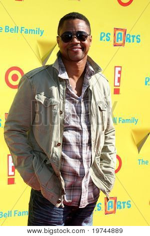 LOS ANGELES - NOV 7:  Cuba Gooding Jr. arrives at the PS Arts Express Yourself Event at Barker Hanger on November 7, 2010 in Santa Monica, CA