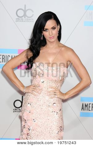 LOS ANGELES - NOV 21:  Katy Perry arrives at the 2010 American Music Awards at Nokia Theater on November 21, 2010 in Los Angeles, CA