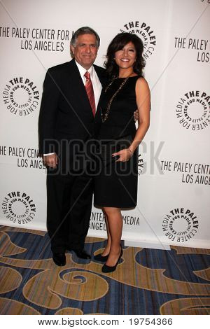 LOS ANGELES - NOV 30:  Les Moonves, Julie Chen arrive at the Paley Center for Media Annual Los Angeles Gala at Beverly Wilshire Hotel on November 30, 2010 in Beverly Hills, CA