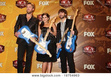 LAS VEGAS  - DEC 6: Charles Kelley, Hilary Scott, Dave Haywood of Lady Antebellum in the press room of the 2010 American Country Awards at MGM Grand Garden Arena on December 6, 2010 in Las Vegas, NV.
