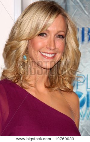 LOS ANGELES - JAN 5:  Lara Spencer arrives at 2011 People's Choice Awards at Nokia Theater at LA Live on January 5, 2011 in Los Angeles, CA