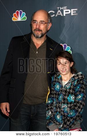 LOS ANGELES - JAN 4:  Richard Schiff arrives at