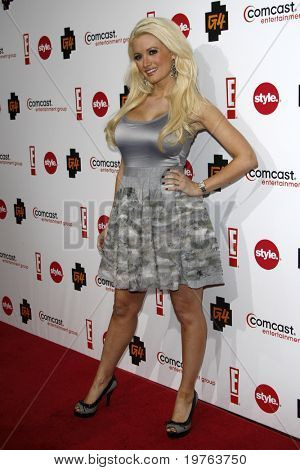 LOS ANGELES - JAN 5:  Holly Madison arrives at the Comcast Entertainment Group Television Critics Association Cocktail Reception at Langham Hotel on January 5, 2011 in Los Angeles, CA