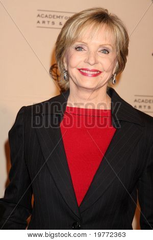 BEVERLY HILLS - JAN 20:  Florence Henderson arrives at the ATAS Hall of Fame Committee's 20th Annual Induction Gala at Beverly Hills Hotel on January 20, 2011 in Beverly Hills, CA