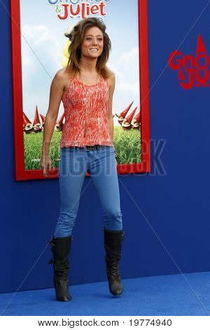 LOS ANGELES - JAN 23:  Lauren Mayhew arrives at the