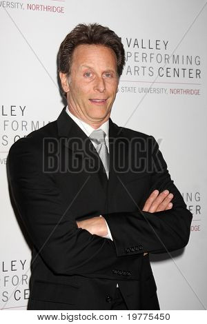 LOS ANGELES - JAN 29: Steven Weber arrives at the Valley Performing Arts Center Opening Gala at California State University, Northridge on January 29, 2011 in Northridge, CA