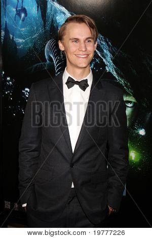 LOS ANGELES - JAN 31:  Rhys Wakefield arrives at the