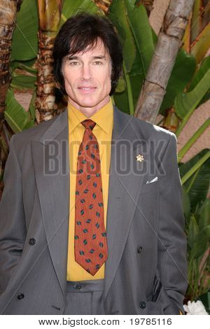 LOS ANGELES - FEB 20:  Ronn Moss arrives at the 2011 Catholics in Media Associates Award Brunch  at Beverly HIlls Hotel on February 20, 2011 in Beverly Hills, CA
