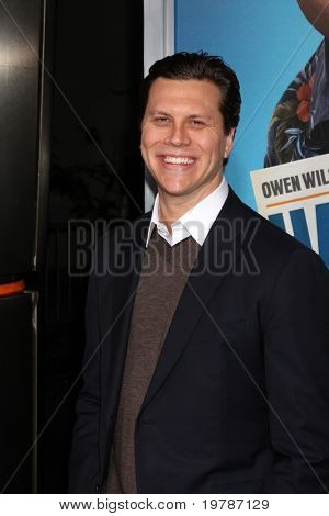 LOS ANGELES - FEB 23:  Hayes MacArthur  arrives at the