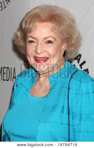 LOS ANGELES - MAR 8:  Betty White arriving at the