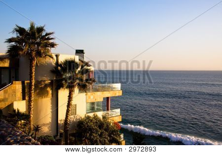 Picture Of A House On The Shoreline